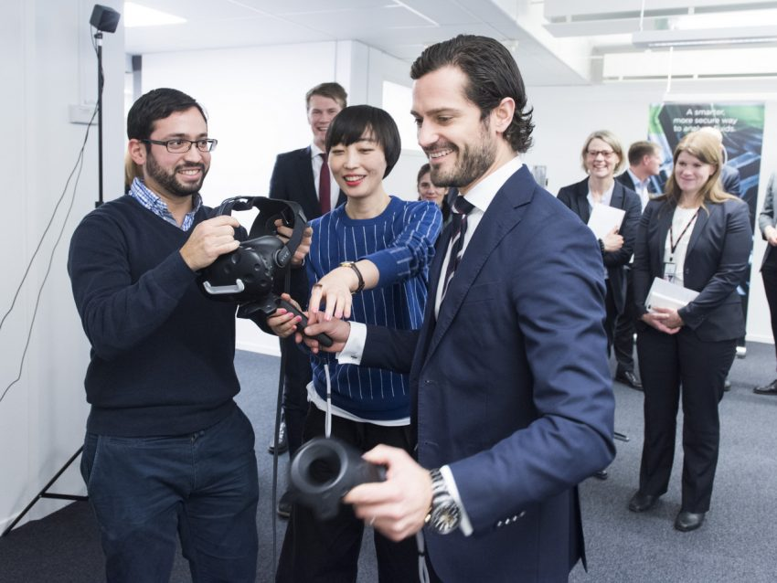 Prince Carl Philip met the SynerLeap companies. Photo: Jonas Bilberg