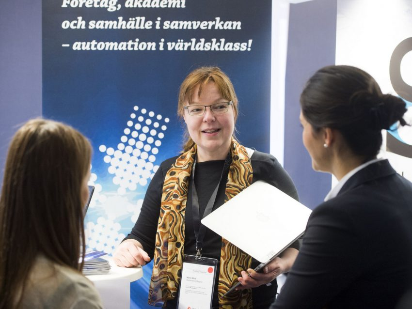 "Karin Wiik, Project Manager Automation Region ""It is important to understand the importance of mingling and networking, and I hope to gain many new contacts today. Automation Region's goal is to create joint research projects with the business world, public sector and academia. To achieve this goal, we have to take part and help create the forms of cooperation."" Photo: Jonas Bilberg"